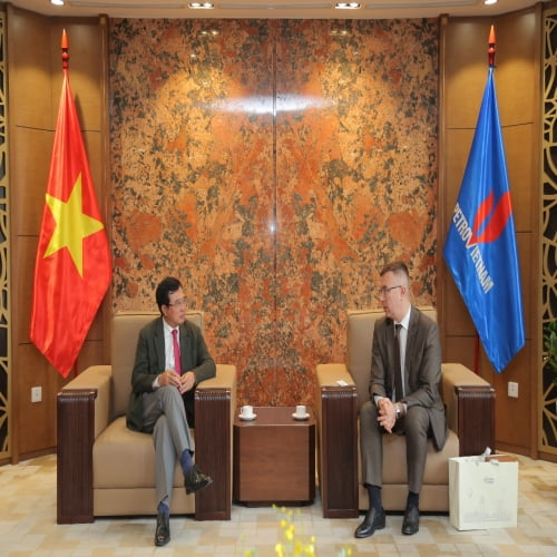 Chủ tịch Hội đồng Thành viên Tập đoàn Hoàng Quốc Vượng tiếp lãnh đạo Vietgazprom