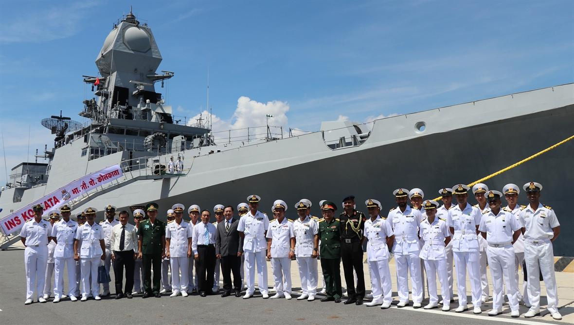 Tàu Hải quân Ấn Độ INS Kiltan thăm TP HCM