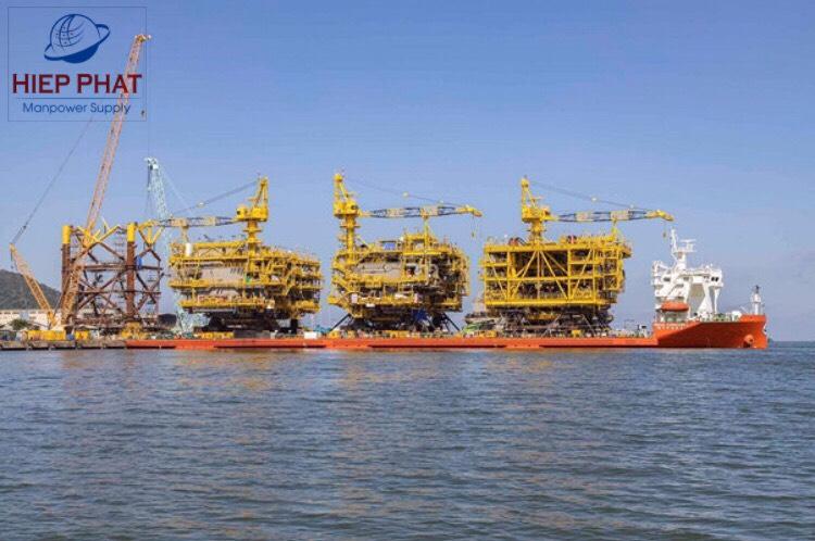 Hình ảnh 3 giàn được thi công sản xuất tại cảng PTSC M&C